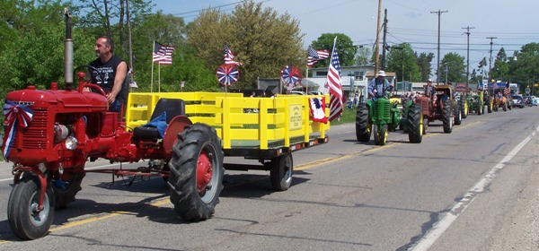 HomePgTractorParade