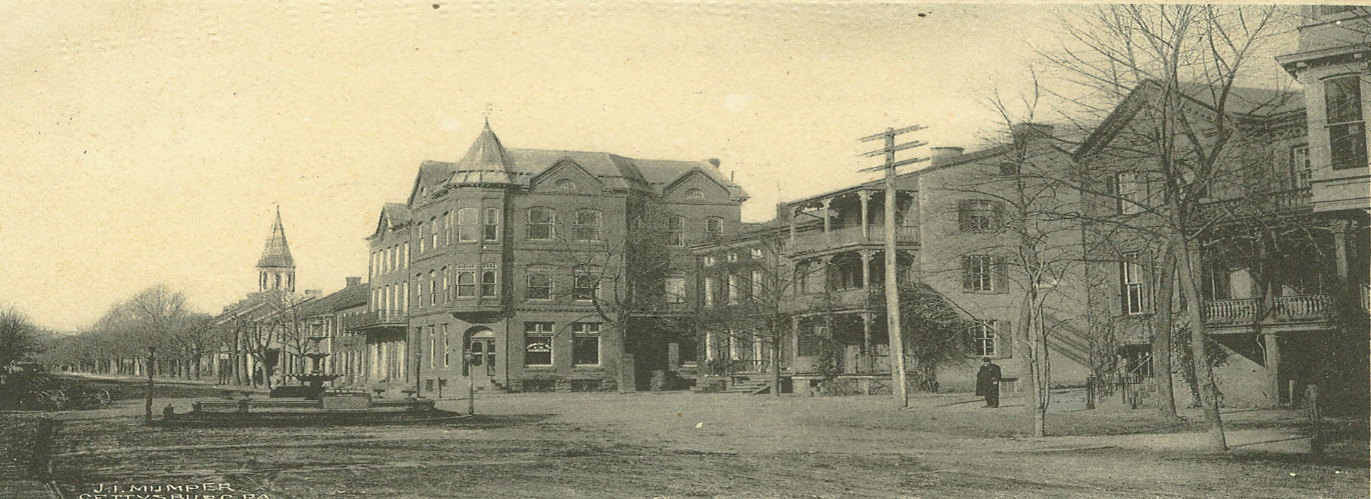Early 1900s Town Square