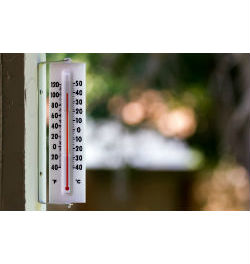outdoor thermometer near 100