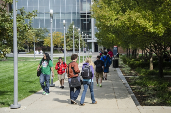 Students walking at UC Blue Ash