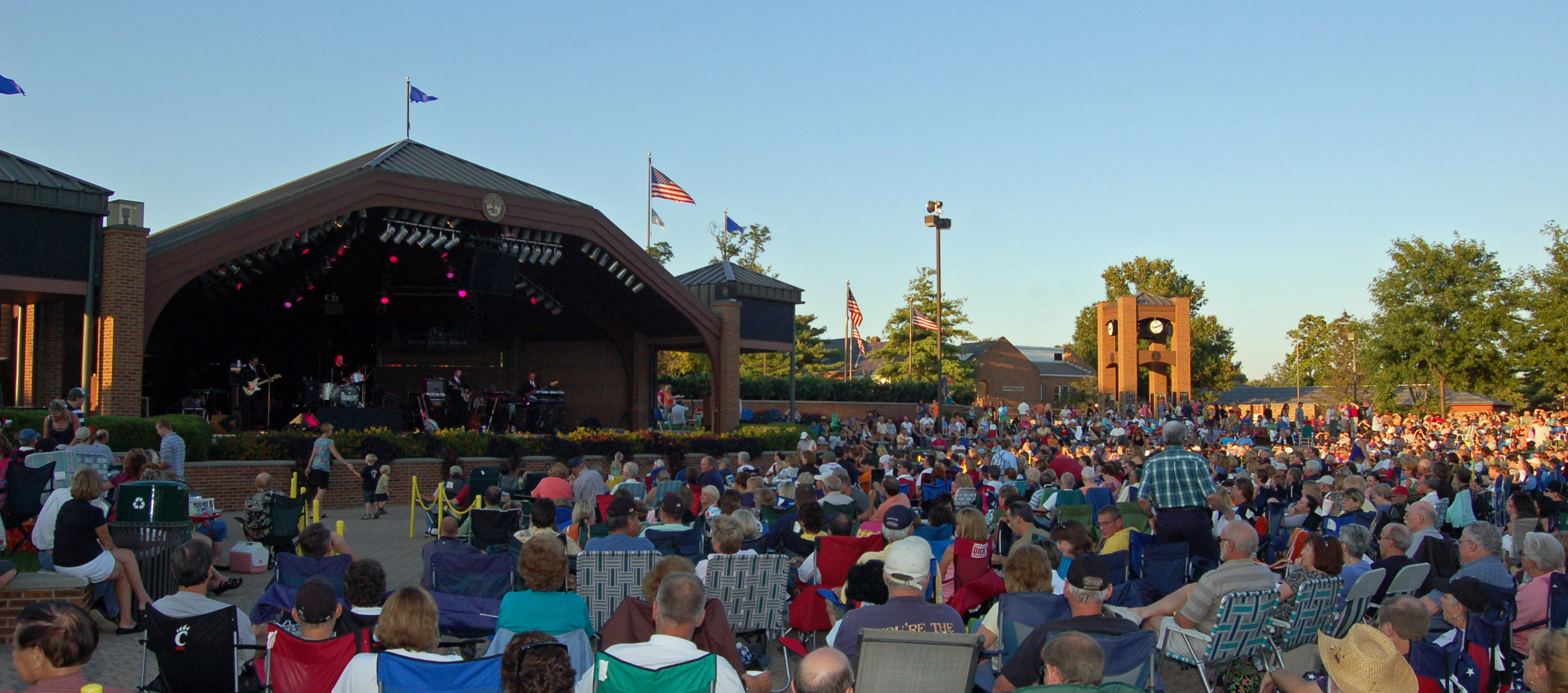 Friday Night Concert at Towne Square