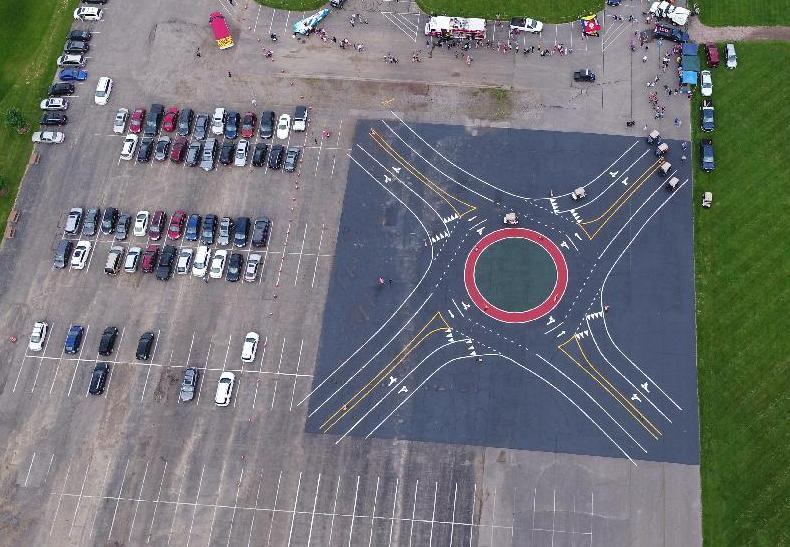 Roundabout course from drone