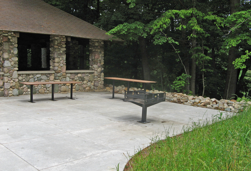 townsend open shelter grill area
