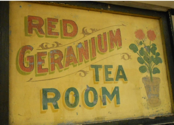 Red Geranium Tea Room sign