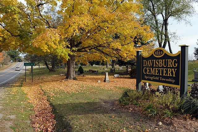 LM-Davisburg Cemetery from Detroit News